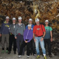 Glück auf! – Alpingruppe und Teilnehmer unter Tage